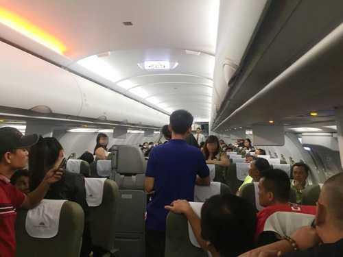 Vụ đánh ghen là vụ gây rối chưa từng có trên máy bay Vietnam Airlines - Ảnh: Long Nga