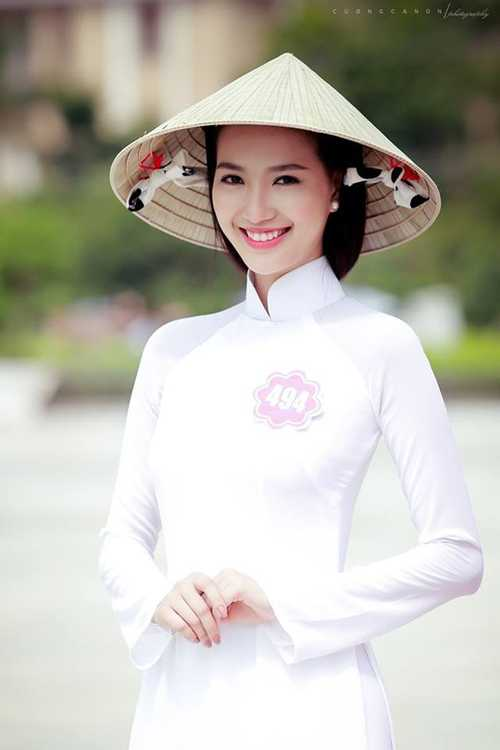 MC Mỹ Linh bỏ thi Hoa hậu Việt Nam vì không chịu nổi áp lực và những lời ong tiếng ve