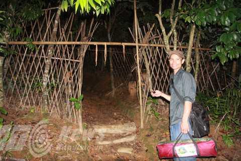 Để vào làng Tắc Xanh phải qua 3 lần cổng