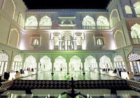 Chủ tịch tập đoàn Khải Silk gây chú ý với tòa lâu đài trắng siêu sang trọng mang tên Tajmasago.