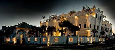 Cham Charm được xem như một trong những nhà hàng đẹp nhất thuộc chuỗi các nhà hàng triệu đô