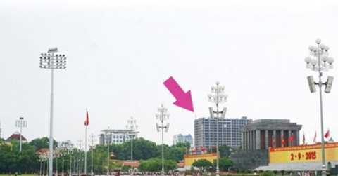 Vị trí tòa nhà 8B Lê Trực nhìn từ Quảng trường Ba Đình.
