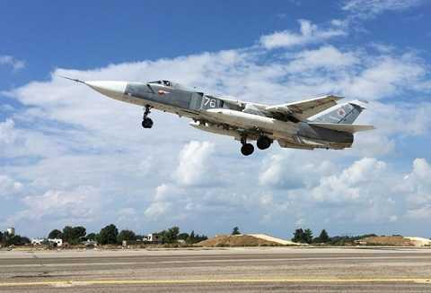 Máy bay Su-24 của Nga tham gia chiến dịch không kích tại Syria