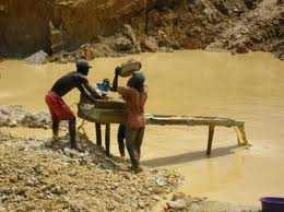 Bệnh nhiễm độc thủy ngân và các hợp chất   thủy ngân được phát hiện ở người lao động làm việc ở môi trường có hơi   thủy ngân và các hợp chất thủy ngân ở nồng độ cao quá giới hạn tối đa   cho phép