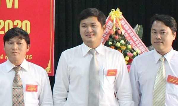 Ông Lê Phước Hoài Bảo (giữa), Ủy viên Ban Chấp hành Đảng bộ Quảng Nam