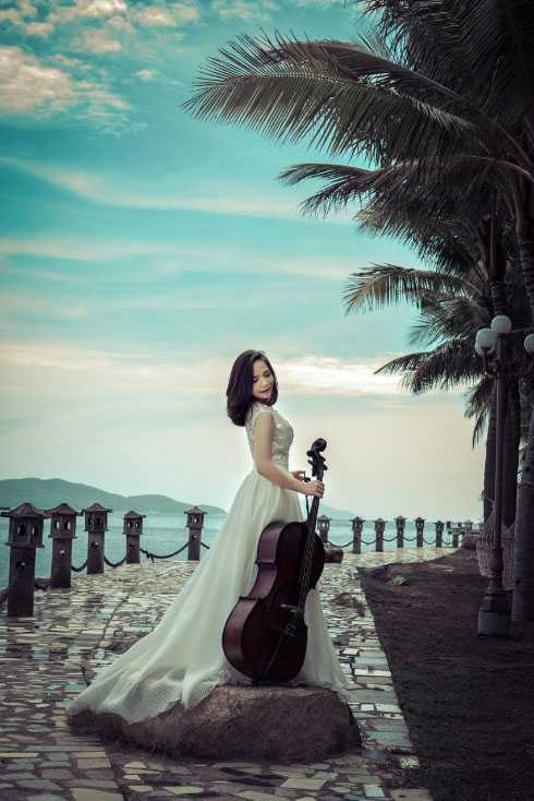 Đinh Hoài Xuân theo đuổi con đường học vấn trong âm nhạc.