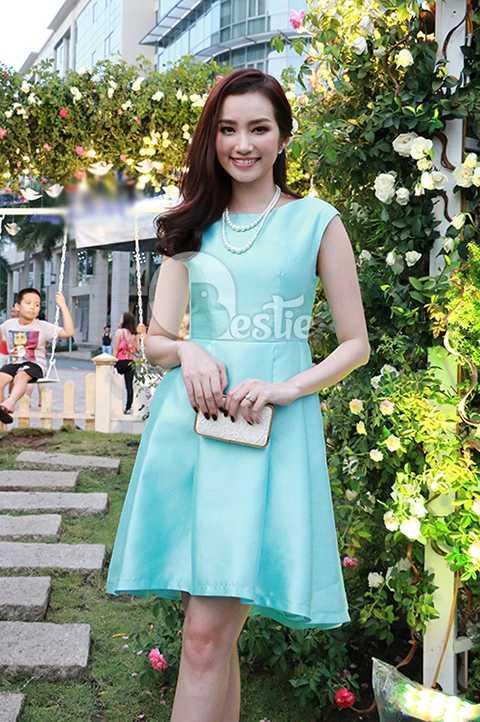 Góp mặt trong sự kiện này còn có sự tham gia của người đẹp Trương Tri Trúc Diễm.
