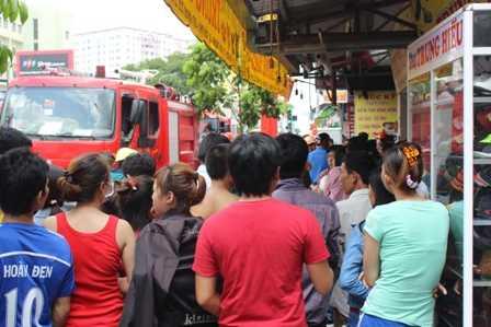 Những người hàng xóm vô cùng bàng hoàng và thương xót khi biết hai mẹ con chị Kiều đã tử vong trong đám cháy