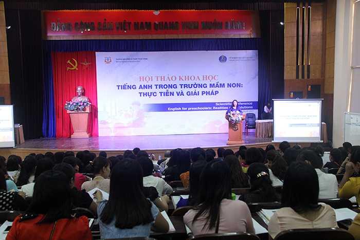 Thứ trưởng Nguyễn Thị Nghĩa phát biểu tại hội thảo