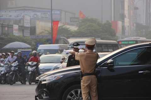 Hàng trăm cán bộ chiến sĩ Công an TP Hà Nội được huy động thêm để chống ùn tắc