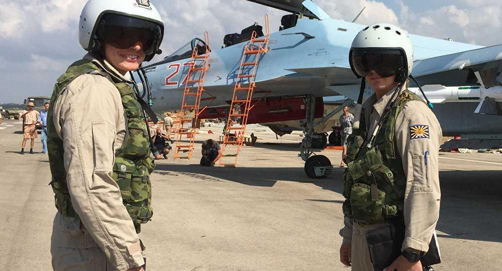 Phi công Nga làm nhiệm vụ không kích IS ở Syria
