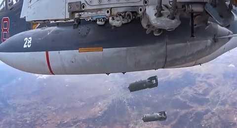 Máy bay Nga thả bom tiêu diệt IS