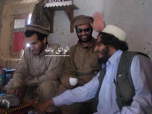 Al-Nasr (ngoài cùng bên trái) là thủ lĩnh cấp cao nhất của một mạng lưới gồm hai chục tay súng là cựu thành viên của Al- Qaeda tự xưng là Nhóm Khorasan
