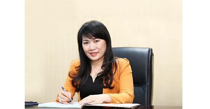 Bà Lương Thị Cẩm Tú sinh năm 1980, chính thức đảm nhận vị trí Tổng giám đốc NamABank từ tháng 4/2015.