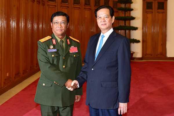 Thủ tướng Nguyễn Tấn Dũng đã tiếp Trung tướng Suvon Luongbunmi, Tổng Tham mưu trưởng, Thứ trưởng Bộ Quốc phòng Lào