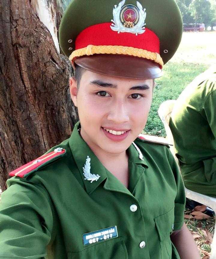 Được biết, hiện Minh Long đang học liên thông tại Học viện Cảnh sát Nhân dân.