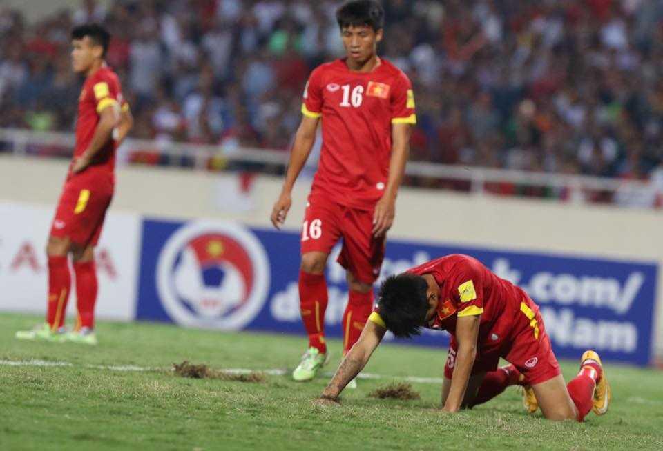 Tuyển VN thất bại toàn diện trước Thái Lan (Ảnh: Quang Minh)