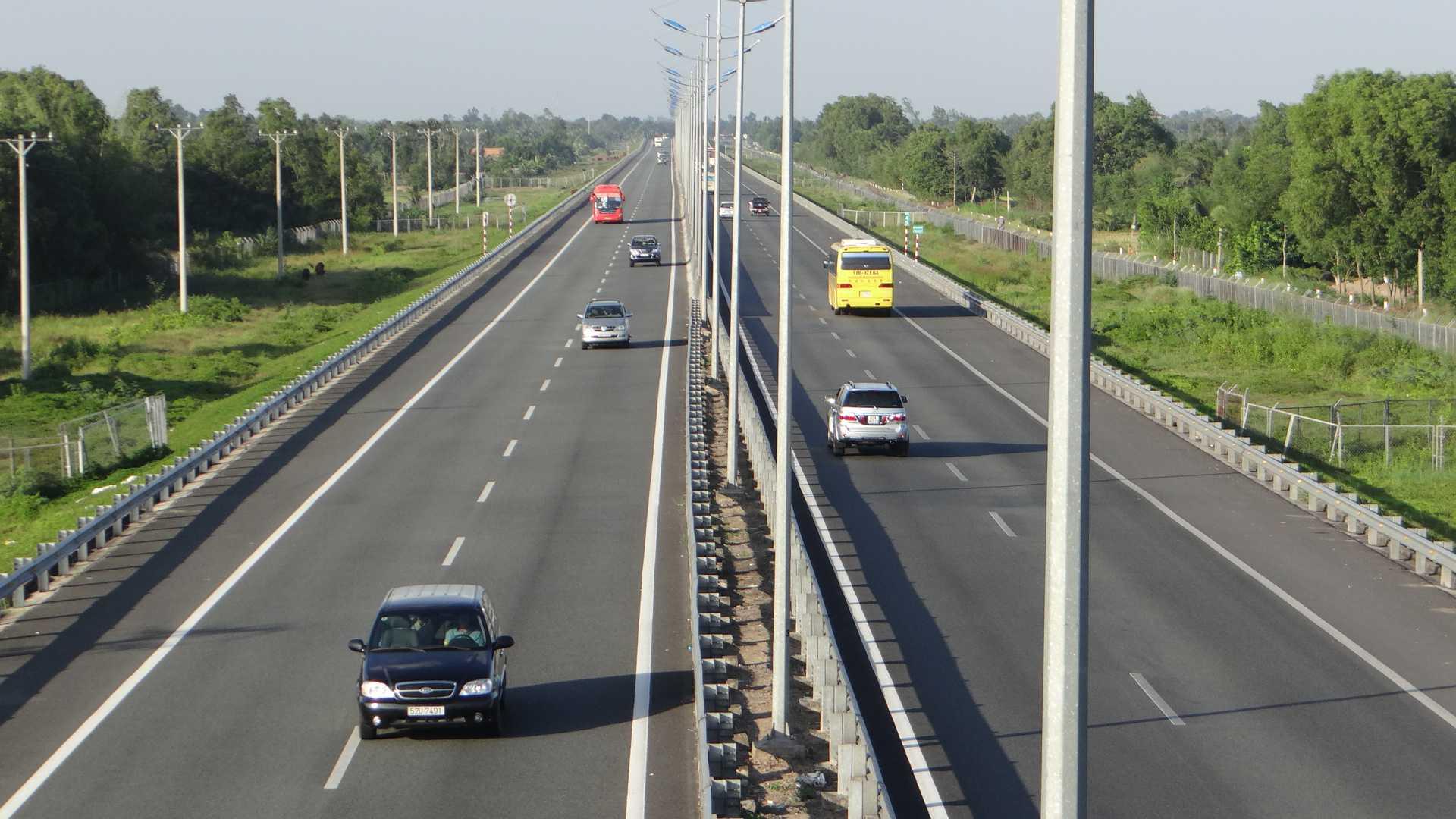 Các phương tiện khi tham gia giao thông được tăng tốc vượt tốc độ tối đa 10km  (Ảnh minh hoạ)