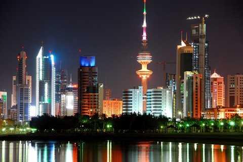 Kuwait cũng là nước có chính sách trợ giá xăng rất lớn, để đảm bảo người dân được hưởng phúc lợi rất cao. Theo đánh giá của Bloomberg, chỉ 0,2% người dân nước này không đủ tiền để chi cho nhu cầu sử dụng nhiên liệu. Ảnh: Bloomberg.