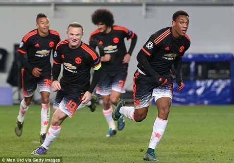 Scholes cho rằng Rooney đang chậm đi theo thời gian