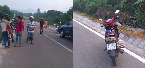 Hiện trường xảy ra vụ việc và xe máy của hai chiến sỹ công an