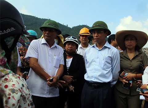 Tân Bí thư Thành ủy Đà Nẵng Nguyễn Xuân Anh ghi nhận bức xúc của người dân về tình trạng ô nhiễm tại bãi rác Khánh Sơn (Liên Chiểu, Đà Nẵng).