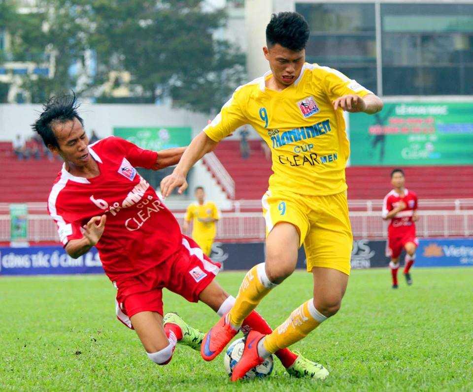 Văn Thành thường xuyên có dịp vào sân ở V-League (Ảnh: Quang Minh)