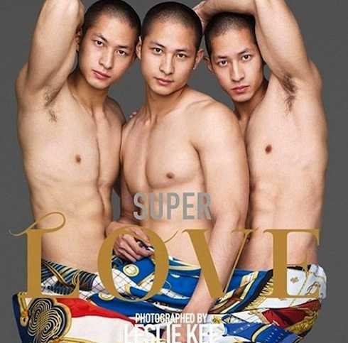 Tên đầy đủ của bộ ba điển trai là Lưu Trí Phúc (Lance Luu), Lưu Trí Mãn (Mark Luu) và Lưu Trí Đường (Charles Luu).