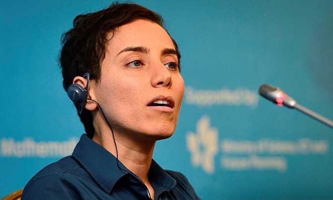 Năm 2014, giáo sưMaryam Mirzakhani giành   giải thưởng Fields, giải thưởng cao quý nhất trong lĩnh vực Toán học,   nhờ phương pháp tính thể tích các bề mặt hyperbol có hình thù kỳ quặc   như uốn cong hình yên ngựa hay xoắn lại theo dạng móc. Mirzakhanilà phụ   nữ đầu tiên đoạt giải này. Bà sinh năm 1977 ở Tehran, Iran. Năm   1994,bà giành huy chương vàng Olympic Toán quốc tế. Trong kỳ thi   Olympic 1995, Mirzakhanitrở thành học sinh đầu tiên của đoàn Iran đạt   điểm tối đa và giành hai huy chương. Năm 1999, bà tốt nghiệp Đại học   Sharif. Năm 2004, bà đạt học vị tiến sĩ Toán học từ Harvard. Hiện tại,   bà là giáo sư tại Đại học Stanford, theo Guardian. Ảnh:Stanford   University.