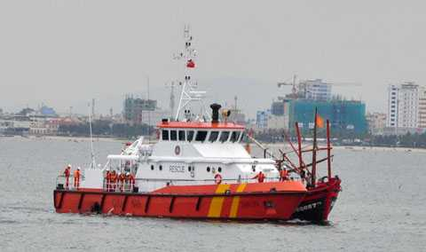 Tàu SAR 274 lên đường cứu hộ tàu cá bị nạn ở Hoàng Sa