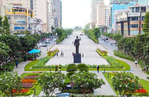 Quảng trường đi bộ Nguyễn Huệ hiện nay. Ảnh: Hữu Công