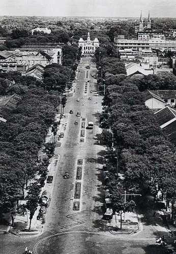 Đường Nguyễn Huệ trước năm 1975. Ảnh: Flickr