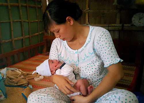 Bé Dương Minh Phát hồi phục và được đưa về nhà - Ảnh: Thúy Hằng