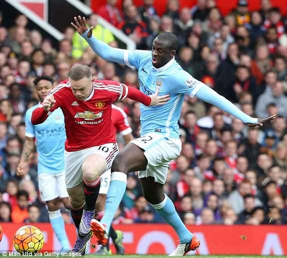Toure sẽ gặp khó với Rooney