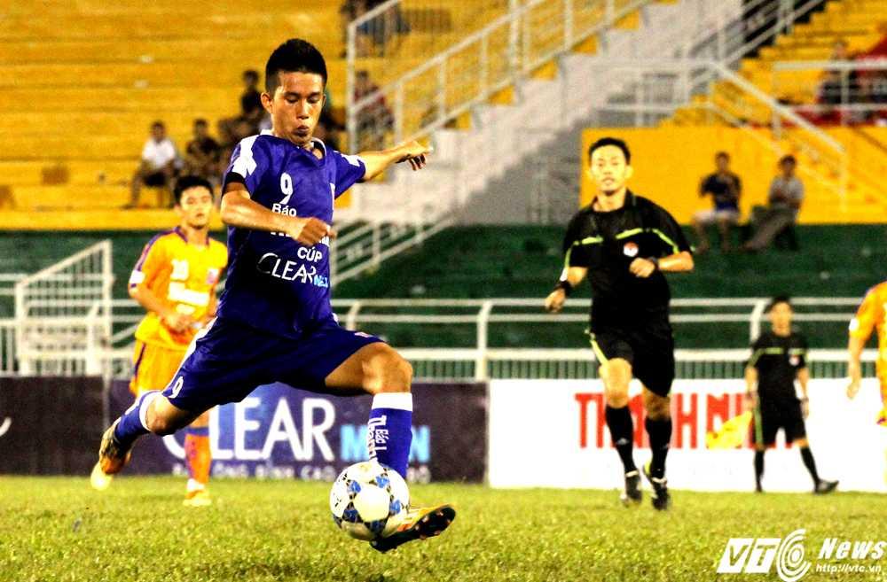 U21 Bình Định đã thi đấu tốt trước U21 SHB.Đà Nẵng (Ảnh: Hoàng Tùng)