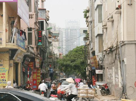 Đường Vũ Trọng Phụng có tới ba dự án chung cư cao tầng. (Ảnh:D.Anh)