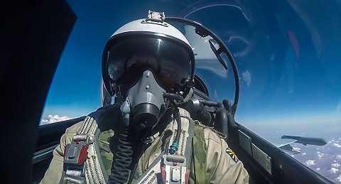 Phi công Nga trên máy bay tiêu diệt IS