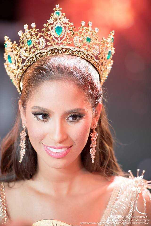 Người đẹp 20 tuổi đăng quang Miss Grand International 2015.