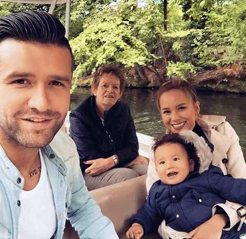 Vợ chồng Danny van Bakel sẽ đưa bà ngoại sang thăm và du lịch Việt Nam vào 28/10 tới. (Ảnh: NVCC)