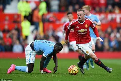 Rooney đá cao nhất trên hàng công MU nhưng lại chơi khá tệ