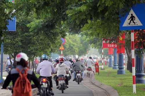 Sương mù trên đường phố Sài Gòn. Ảnh: H.C
