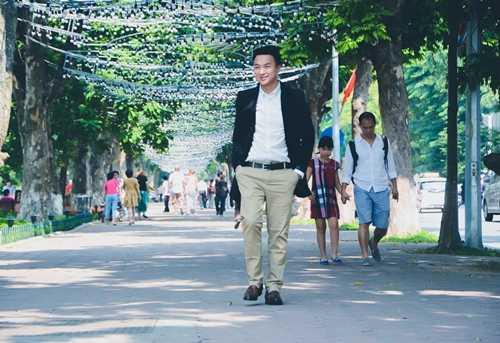 Những hình ảnh đời thường của Việt Phong khi ở Hà Nội.