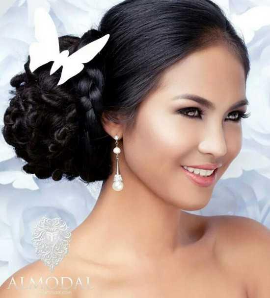Janicel Lubina được đào tạo trở thành những nữ hoàng sắc đẹp thực thụ.