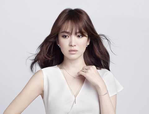Thời gian gần đây, Song Hye Kyo luôn bận rộn với dự án ở nước ngoài. Cô đã chính thức trở lại màn ảnh trong bộ phim