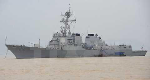 Tàu khu trục được trang bị tên lửa dẫn đường USS Lassen của Mỹ tại cảng Tiên Sa, Đà Nẵng, Việt Nam ngày 7/11/2009