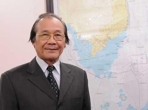 Nguyên Trưởng ban Biên giới Chính phủ, Tiến sỹ Trần Công Trục trả lời phỏng vấn VTC News - Ảnh: Tùng Đinh