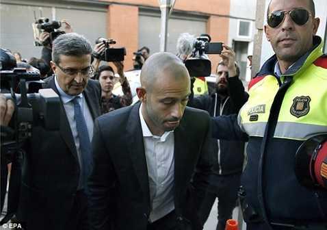 Mascherano trốn thuế được chính cầu thủ này thừa nhận