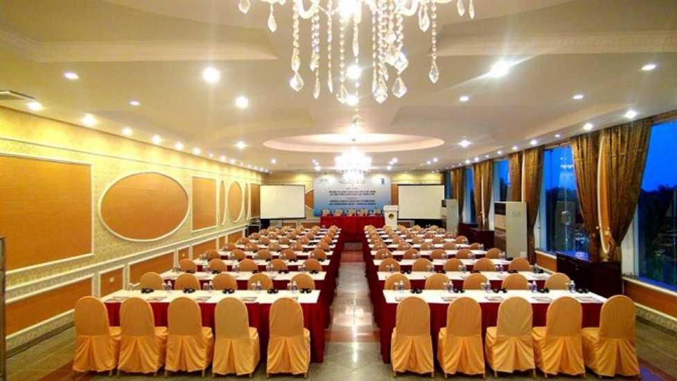 Phòng hội thảo sang trọng là điểm đến cho nhiều hội thảo, hội nghị quan trọng