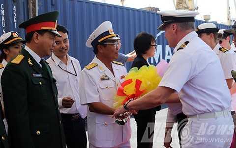 Lễ đón được thực hiện ngay tại Cảng Tiên Sa (Đà Nẵng)