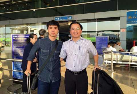 Công Phượng cùng trưởng đoàn bóng đá HAGL Nguyễn Tấn Anh sang Nhật Bản sáng 30/10.